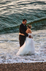 Just married (Seahorse-Cologne) Tags: tretat normandie france frankreich summer beach mer atlantik plage lesoir sunset soire surfing surf september just married