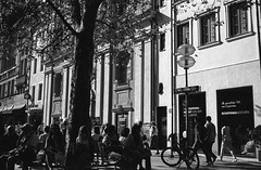 Munich, Germany (patrickkuhl) Tags: munich germany europe street streetphotography blackwhite blackandwhote monochrome people shadows city film filmcamera filmphotography filmisnotdead analog 35mm olympus olympusxa olympusxa4 xa4 28mm kentmere selfdeveloped kodak kodakd76 d76
