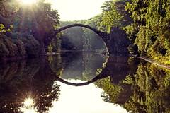 Spiegelbild (Puste Blmchen) Tags: rakotz brcke sonne spiegelbild see