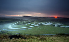 Cuckmere Valley Sunrise (JamboEastbourne) Tags: england mist sunrise canon river sussex east valley alfriston cuckmere 50d