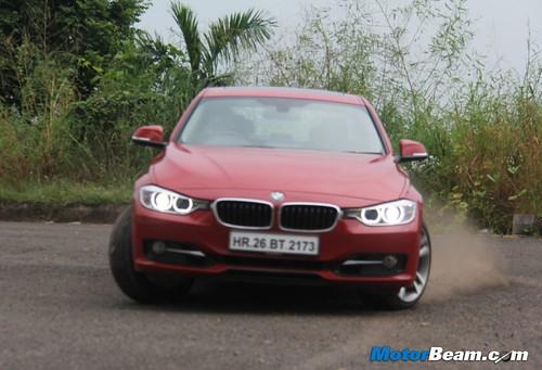 2012-BMW-328i-30