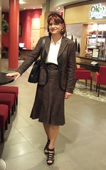 Courtyard Hotel Berlin (Marie-Christine.TV) Tags: berlin lady hotel tv feminine courtyard skirt tgirl suit transvestite secretary businesssuit kostm mariechristine skirtsuit sekretrin anklechain