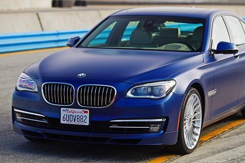 BMW Alpina B7 vs Audi S8 head 2 head video