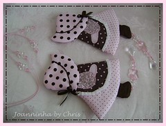 sunbonnet cortina (Joanninha by Chris) Tags: handmade rosa patch patchwork marrom bordado sunbonnet feitoamo enxovalbebe enxovalmenina decoraoquartobeb aplicaodetecidos pendantcortina