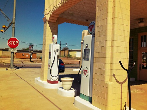 "Old Conoco Route 66 Gas Station - Shamrock Texas • <a style=""font-size:0.8em;"" href=""http://www.flickr.com/photos/20810644@N05/8142755504/"" target=""_blank"">View on Flickr</a>"
