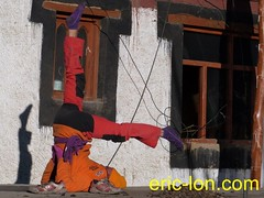 Eric Lon yoga at Demul (42) (Eric Lon) Tags: india cold yoga energy dynamic tibet heat practice souffle himalaya breathe froid warming spiti breathing inde tibetain himalayen chaleur activate respiration ericlon rechauffer demul acriver
