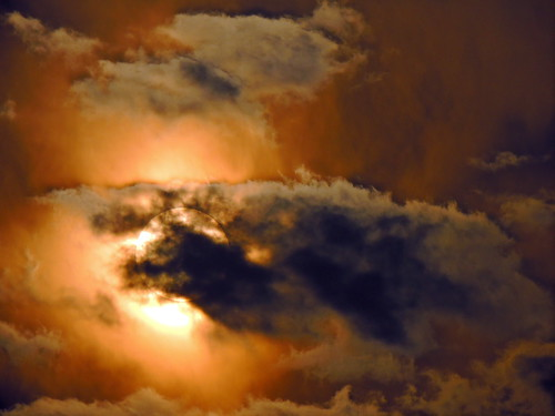Sun & Cloud play a captivating scene..