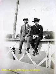 "Francisco Pendás y Juan Laredo. Puente viejo 1920 • <a style=""font-size:0.8em;"" href=""http://www.flickr.com/photos/85451274@N03/8365151800/"" target=""_blank"">View on Flickr</a>"