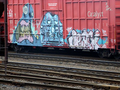 GROMINATE - UNE - JERX (QsySue) Tags: seattle railroad digital train lumix graffiti tag traintracks panasonic moms traincar pointandshoot digitalcamera washingtonstate une railroadtracks railroadcar ktc jerx digitalpointandshoot grominate uneone panasoniclumixdmczs8