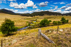 Capertee Valley (mraadsen) Tags: blue sky mountains clouds creek fence landscape scenery stream australia bluemountains pasture nsw greater australie polariser gardenofstonenationalpark rylstone wolleminationalpark caperteevalley dunnsswamp canoneos550d 1585mmf3556isusm