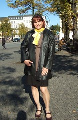 Potsdam (Marie-Christine.TV) Tags: stockings leather lady pumps feminine coat skirt transvestite nylons acrylicnails kostm mariechristine skirtsuit strmpfe ledermantel acrylngel nylonstrmpfe