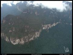 Canaima 2009 0114 (VF-travelphotography) Tags: paisajes venezuela selva bolivar places bolvar canaima fotografia aviones auyantepui gransabana postales vehiculos tepui aerea bolvar cessna208grancaravan viajeacanaima