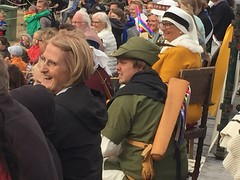 Robin Hood hiding in the crowd with Maid Marion (radiowood) Tags: gotland visby tournament medieval marion robinhood