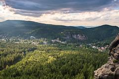 Blick von der Mönchskanzel (matthias_oberlausitz) Tags: ruine kloster burg felsen grose gebirge zittauer oberlausitz oybin klosterruine felsengasse