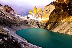 Amanecer en Las Torres del Paine (@abriendomundo) Tags: tokina1116mmf28 tokina1116 torresdelpaine parquenacionaltorresdelpaine patagonia canoneos600d amanecer sunrise abriendomundo