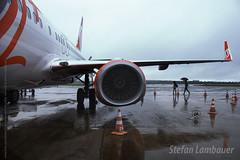 Aeroporto de Foz do Iguau (Stefan Lambauer) Tags: aeroportointernacionaldefozdoiguau airport avio airplane gol boeing737800 rain chuva turbina stefanlambauer 2016 brasil brazil santos sopaulo br