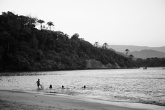 DSC_1650 ( Ixio) Tags: bianco black bw bianconero biancoenero blackandwhite nero white water beach paraty paradise paradiso brasile brazil rj