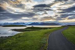 paz (Mauro Esains) Tags: hfn islandia paisaje isla paz glaciar cielo nubes sol de medianoche agua mar costa playa fro reflejos camino