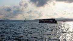 Gnaydn stanbul II (cokbilmis-foto) Tags: istanbul morning dawn sunlight reflecting reflection waves boat ship ferry ferries bogazici bosphorus kprs skdar eminn trkiye turkey sony rx100