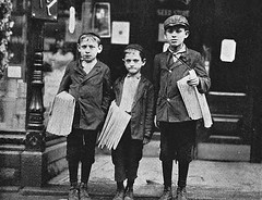 newsboys by Hine - 1922 (SSAVE w/ over 6 MILLION views THX) Tags: newsboys childlabor hine 1922