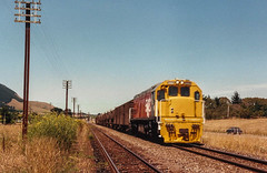 Te Horo (andrewsurgenor) Tags: locomotive engine transport diesel nz newzealand train railway railroad narrowgauge rail nzr railfan