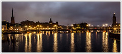 Stockholm; View at Townhall and Riddarholmskyrkan (drasphotography) Tags: stockholm sweden sverige schweden townhall riddarholmen riddarholmenkirche riddarholmskyrkan night nightshot dmmerung gamla stan blue hour goldene stunde drasphotography nikond7000 d7k reflection reflektion travel travelphotography reise reisefotografie