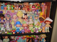 SSC display 1 (Veni Vidi Dolli) Tags: strawberryshortcake kenner dolls blueberrymuffin raspberrytart cafeole limechiffon orangeblossom minttulip figboot moondreamers huggabunch rosepetalplace carebears