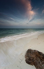 Najmah Beach (Ibrahim Almulhim ) Tags: seascape color green canon landscape eos rocks flickr usm ibrahim efs 50d  almulhim ibrahimalmulhim
