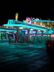 "Flo's V8 Cafe - Cars Land - Disney California Adventure • <a style=""font-size:0.8em;"" href=""http://www.flickr.com/photos/85864407@N08/8088774177/"" target=""_blank"">View on Flickr</a>"