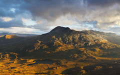 Alien Worlds - Sgurr Dubh (svensl) Tags: world sunset mountain walking landscape evening scotland glow northwest hiking alien schottland torridon sgurr liathach beinneighe dubh lochclair
