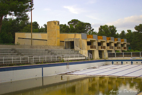"La piscine dans la garrigue • <a style=""font-size:0.8em;"" href=""http://www.flickr.com/photos/60395175@N00/8103449226/"" target=""_blank"">View on Flickr</a>"