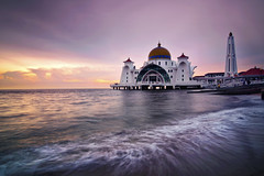 The Straits Mosque, Malacca (Vin PSK) Tags: mosque malacca floatingmosque straitsmosque