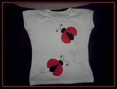 Camiseta Joaninha ♥♥ (Marcia Sicoti Patchwork ♥♥♥) Tags: patchwork camiseta joaninhas