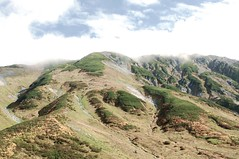 Mt. Tateyama 3,015m (lwchang) Tags: travel blue cloud mountain green nature japan 35mm landscape photo nikon asia route alpine toyama nikkor nagano afs kurobe tateyama dlsr primelen flickrtravelaward nikonnikkor35mm14g nikonnikkorafs35mm14g