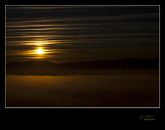 Amanecer astur (Argayu) Tags: naturaleza sol clouds contraluz nikon asturias amanecer nubes llanera montaña nuages lugodellanera asturies nubols mardenubes borrín alborecer borrina vosplusbellesphotos nikond5000 lucusasturum ñubes mardeñubes