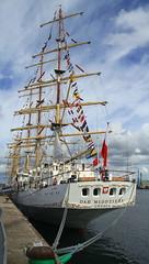 IMG_1675 (Paco Gonzlez1) Tags: puerto muelle corua barco cuttysark 2012 velero tallshipsrace trasatlantico