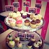 @sweetcakesve: Mañana fiesta privada, Te esperamos hoy para que te recargues de los mejores cupcakes de la ciudad y tengas un fin de semana súper dulce  #lecheria #sweetcakesstore #puertolacruz #cupcakery #bakery (Sweet Cakes Store) Tags: cakes square de cupcakes yummy y venezuela tienda cupcake squareformat tortas lecheria sweetcakes ponques iphoneography instagramapp xproii uploaded:by=instagram sweetcakesstore sweetcakesve
