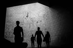 Cais do Sodr (Javi Calvo) Tags: blancoynegro caisdosodr javicalvo lisboa cursofotografia fotografiadecalle fotografiaurbana streetphotography