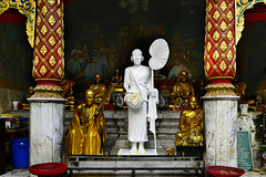 Doi Suthep - Monks in White and Gold (Anoop Negi) Tags: doi suthep wat phra temple chiangmai thailand monks travel gold red white anoop negi ezee123 photo photography