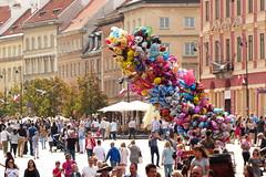 Colorful Warsaw (evisdotter) Tags: warsaw colorful people balloons streetshot polen warszawa poland sooc