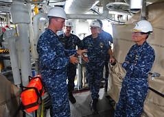 160816-N-XF387-024 (CTF 76) Tags: ussblueridge usnavy yokosuka ctf76 admiral srf edsra shiptour japan