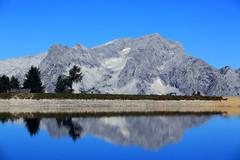 Sommer auf der Hss (rubrafoto) Tags: sommer hss hinterstoder obersterreich speichersee see berge gebirge totesgebirge gebirgspanorama panorama spitzmauer groserpriel spiegelung wasser natur landschaft sommerlandschaft tourismus alpinesgelnde wandern wandergebiet ooe