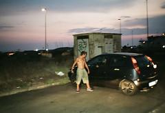 (Marco Antonecchia) Tags: contaxt2 contax analog drunk fight streetphotography film filmphotography filmisnotdead crazy ubriaco ostia 35mm fujifilm