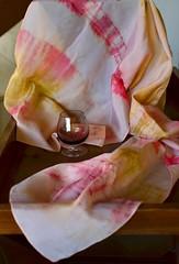Estudo com taa (Mrcia Valle) Tags: foulard echarpe silkfoulard echarpedesoie tiedye shibori dying atelier mrciavalle brasil brazil seda echarpedeseda still stilllife nikon athome cornersofmyhome art arte textileart artetextil
