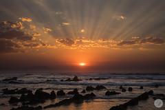 Sunset (jdelrivero) Tags: mar sol sunset elementos s puestadesol hagaclicaquparaaadirpalabrasclave lugares olas atardecer barrika espaa playa beach elements places sea spain sun elexalde euskadi es