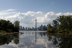 Toronto (Génial N) Tags: sky toronto ontario canada cn cntower skyscrapers pentax pentaxkr