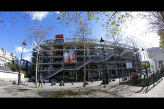 Pompidou / Beaubourg (LeWaggis) Tags: paris france museum rivedroite place wide musee fisheye bleu ciel pompidou marais centrepompidou beaubourg samyang