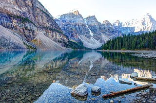 Moraine lake Banff {Briefly!! Explored!}