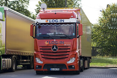 Mercedes-Benz New Actros MP4 (Czyzu) Tags: new look mercedes benz log d mp4 actros