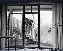 20121226151836.jpg (polanri.com) Tags: abandoned 120 film analog mediumformat hotel belgium decay urbanexploration 6x7 spa balmoral urbex plaubel makina makina670
